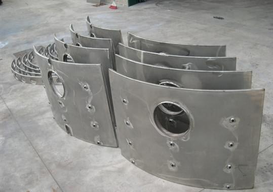 Isolamento termico scudi AISI 409 s.p 1.5mm riempito con fibra di ceramica